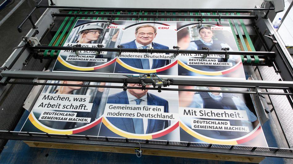 Wahlplakate der CDU, rechts die »Polizistin«: »Mit Sicherheit. Deutschland gemeinsam machen.«