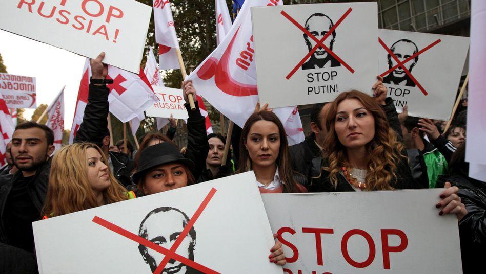 Demonstranten in Tiflis: 30.000 Menschen gegen Putin auf der Straße