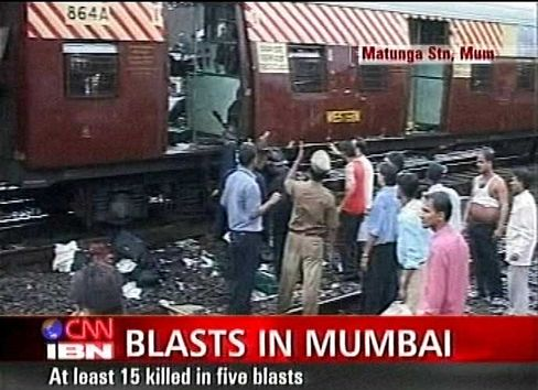 Vom Bomben zerfetzter Zug: Schatten auf indisch-pakistanische Beziehungen?