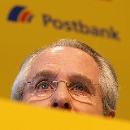 Deutsche Post CEO Klaus Zumwinkel has had his home raided over tax evasion charges.