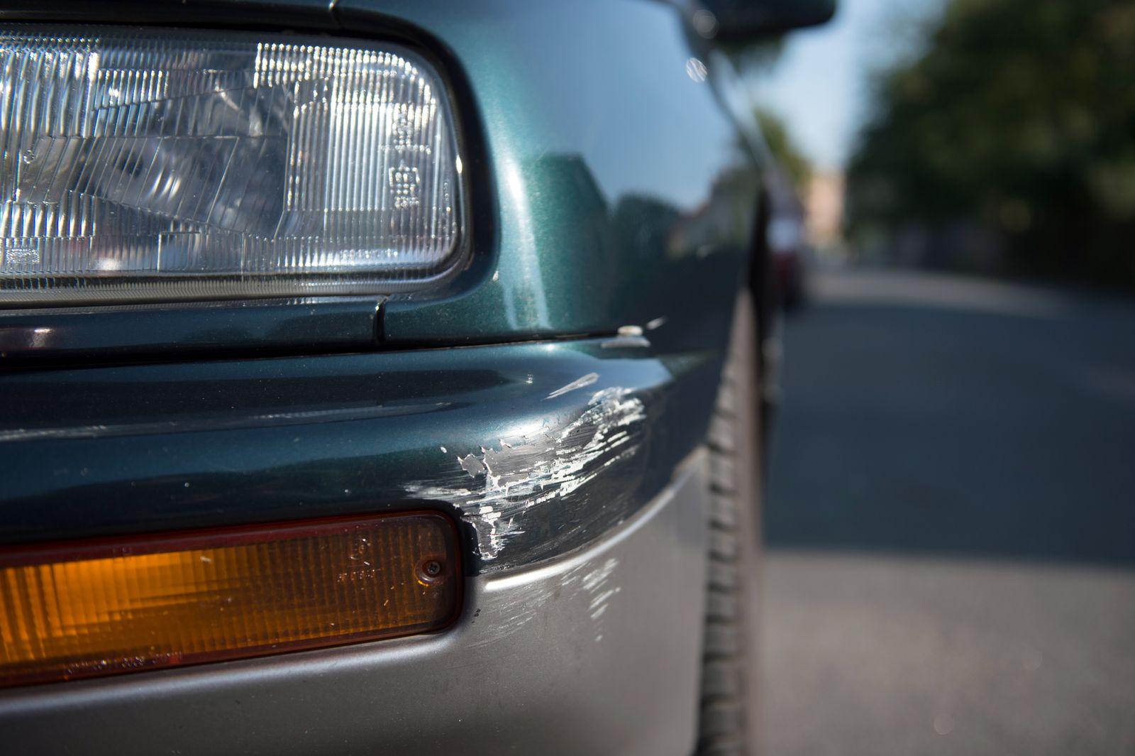 Symbolbild Autounfall / Kfz-Versicherung