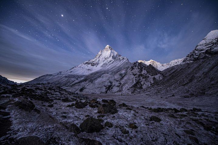 Der Shivling (6543 Meter) in der Morgendämmerung