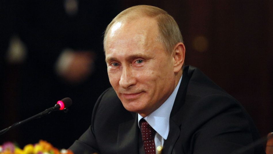 Russian Prime Minister Vladimir Putin would like to see much closer cooperation between the European Union and Russia.