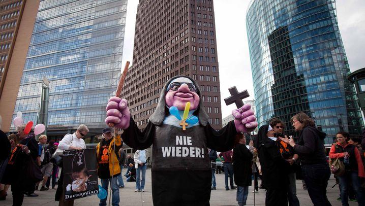 Papst in Deutschland: Benedikt am Schloss Bellevue