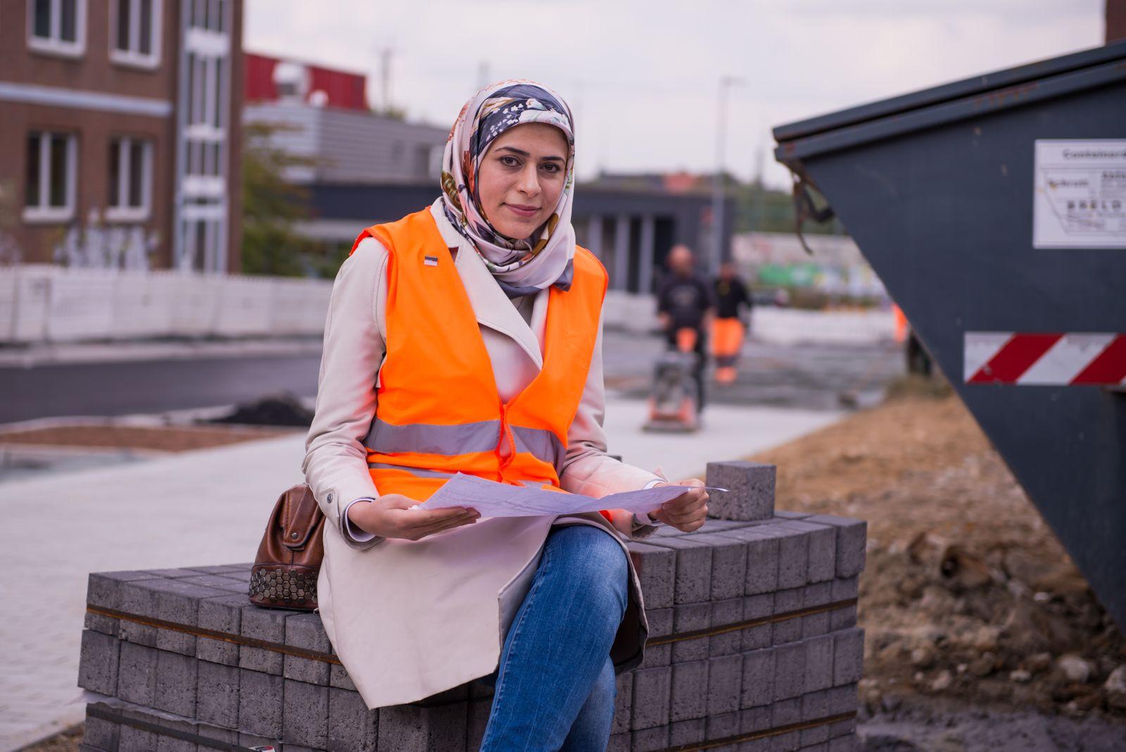 EINMALIGE VERWENDUNG SPIN SP 42/2019 S. 52 refugees career Taleb