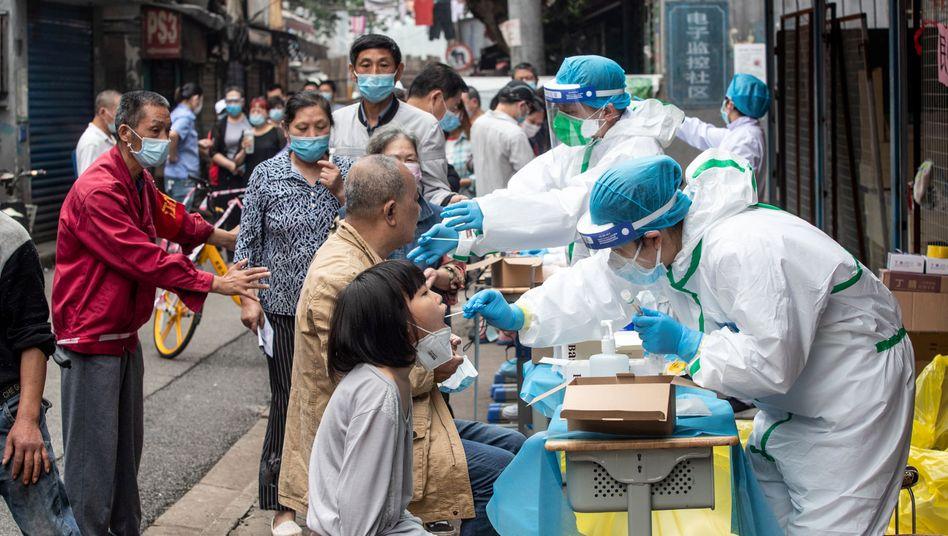 Wie hier in Wuhan werden nun alle Einwohner der Stadt Kashgar getestet