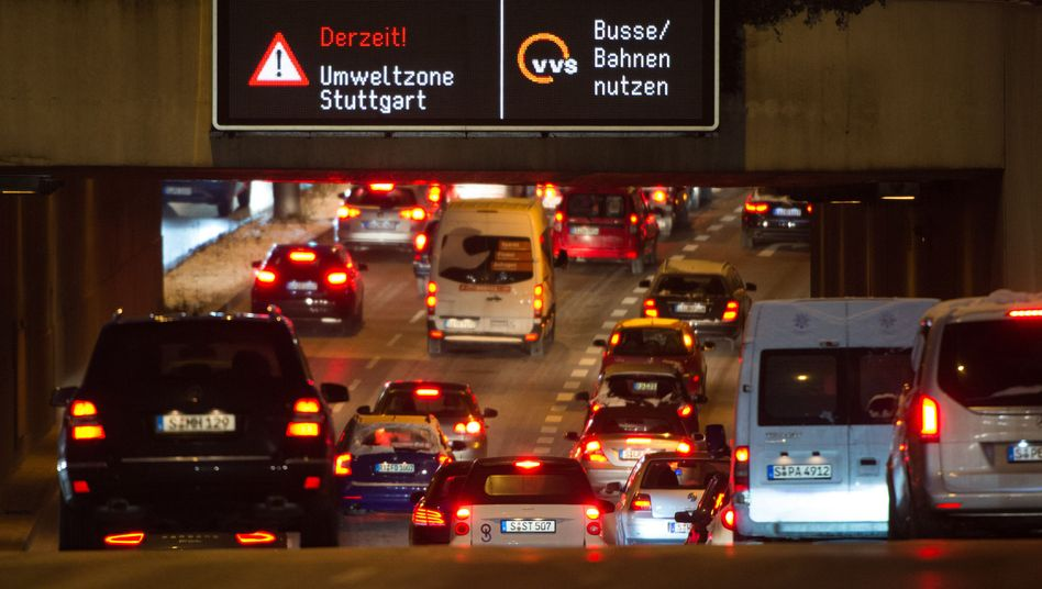Feinstaubalarm (Archivbild): Am 18. Januar 2016 wurden die Stuttgarter schon einmal aufgerufen, das Auto stehen zu lassen