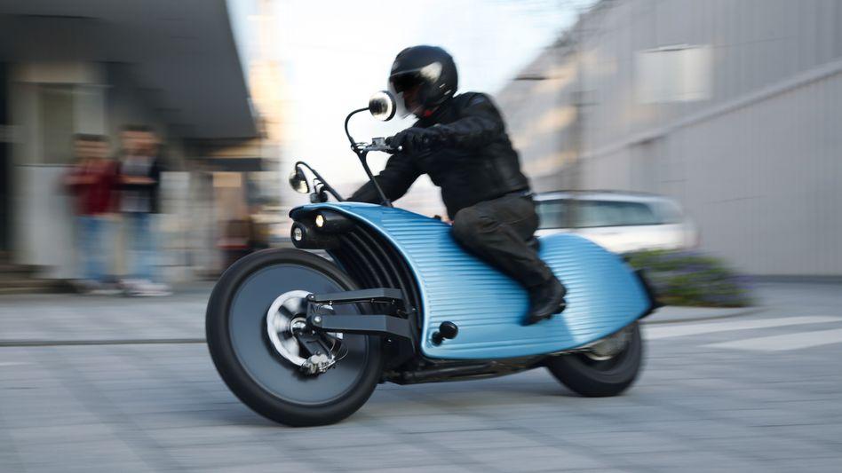 E-Mobilität: Das erinnert ein bisschen an die ersten Autos, die noch aussahen wie Kutschen ohne Pferde