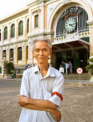 """Letter writer Duong Van Ngo: """"Love usually wanes between the continents."""""""