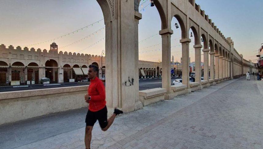 AlHasa Runners-Gründer Al-Ali in der Altstadt: »Du bist über vierzig, warum trägst du kurze Hosen?«