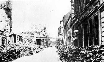 """Zerstörte Straßenzüge in Hamburg (im Juli 1943): """"Ob du schreist oder nicht schreist, es ist egal"""""""