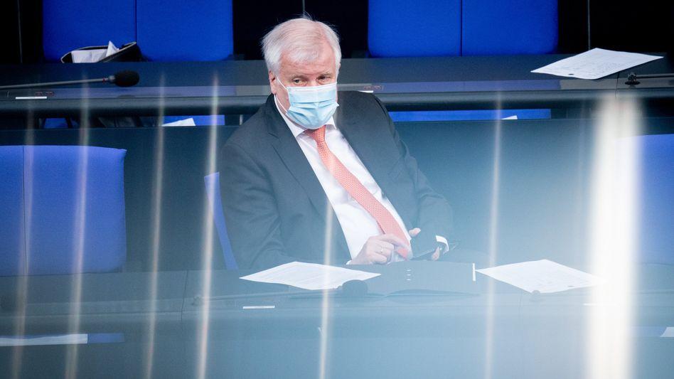 Innenminister Seehofer im Bundestag: Enttäuschung über eigene Fraktion