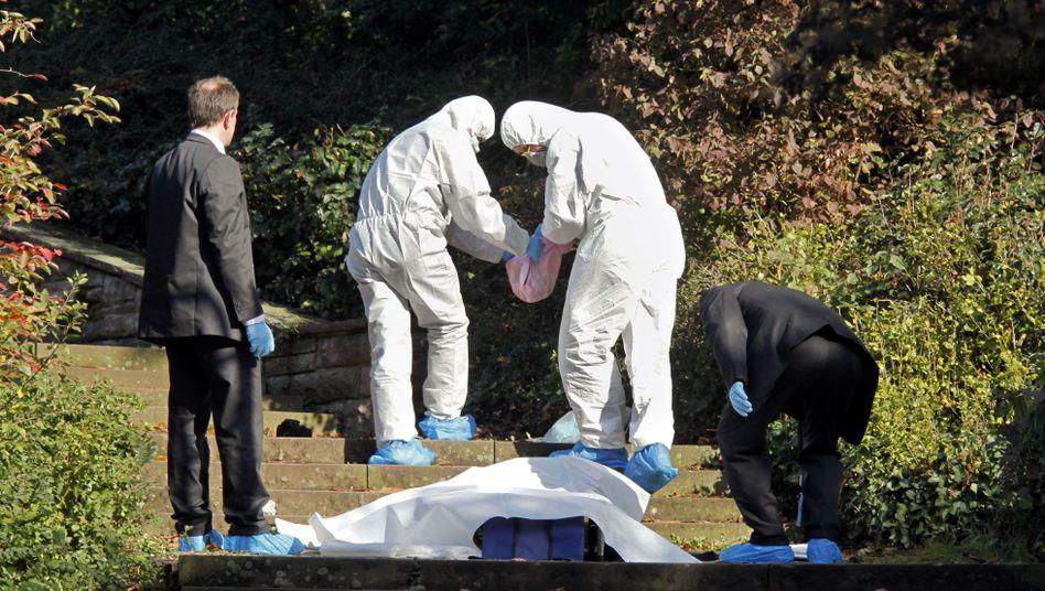 Spurensicherung in Frankfurt am Main 2009: Ein wenige Tage alter Junge war tot aufgefunden worden.