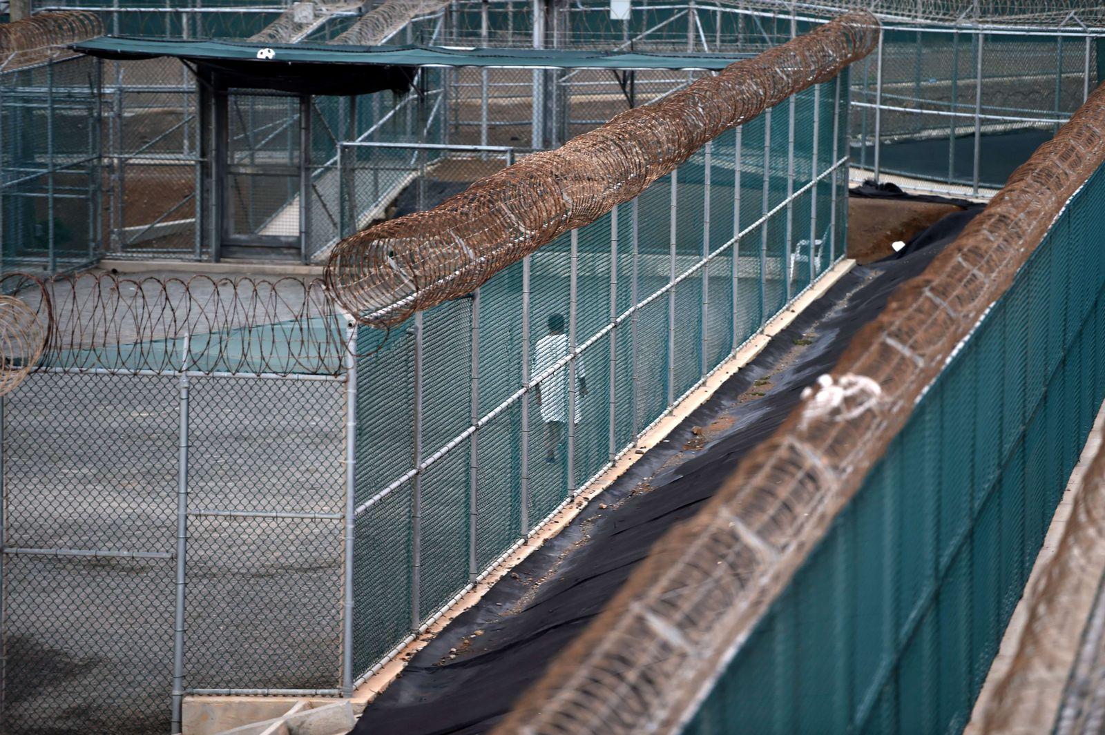 Guantanamo/ Camp 6