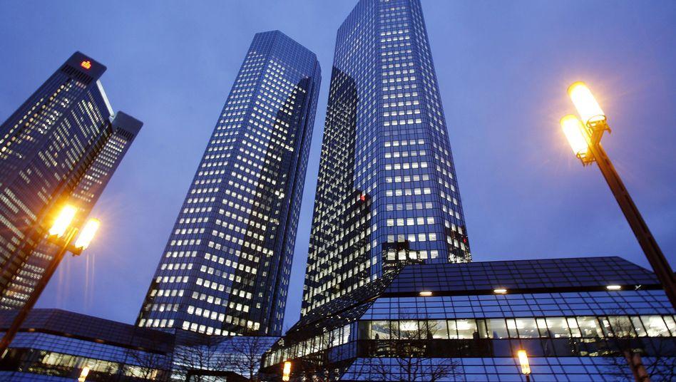 Zentrale der Deutschen Bank: Warten auf die Einigung
