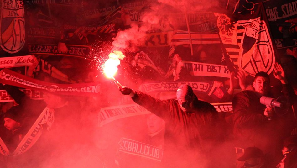 Jena-Fans mit Pyrotechnik: Fast 100.000 Euro Strafe