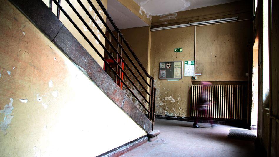 Treppenhaus einer Grundschule