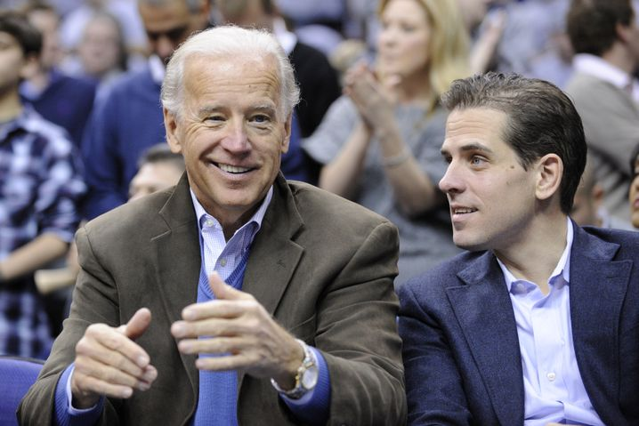 Joe und Hunter Biden (2010 bei einem Basketballspiel in Washington)