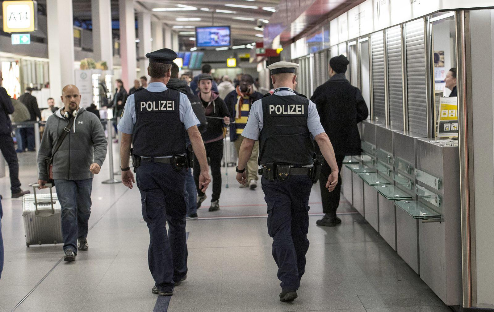 Chemnitz Berlin Tegel Streife Polizei
