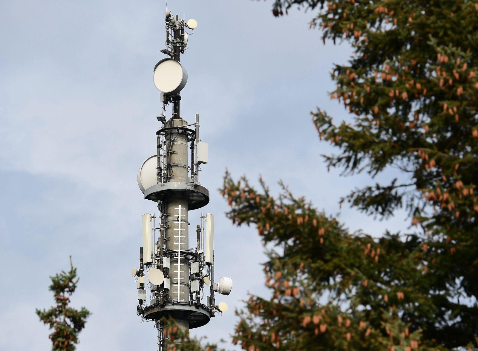 Mobilfunk in Deutschland - Sendemast für 5G in Bernau