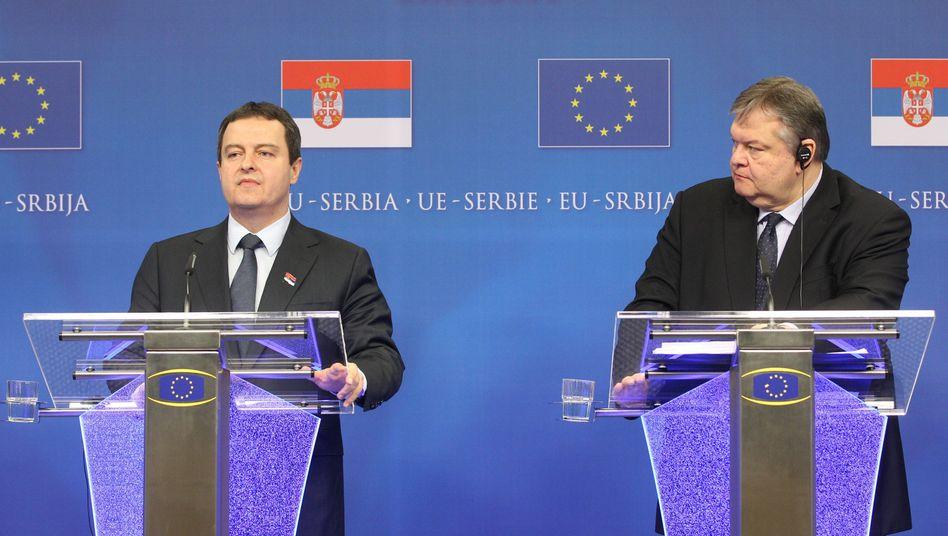 """Serbiens Premier Dacic (l.), Griechenlands Außenminister Venizelos: """"Wir wollen 2018 alle Bedingungen erfüllt haben"""""""