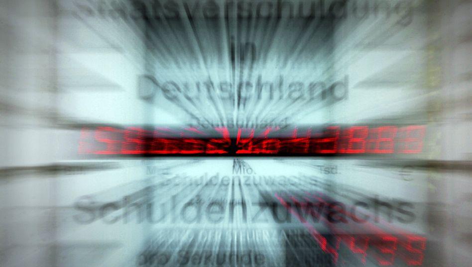 Schuldenuhr in Wiesbaden: Rekorddefizit durch Rettungsmaßnahmen