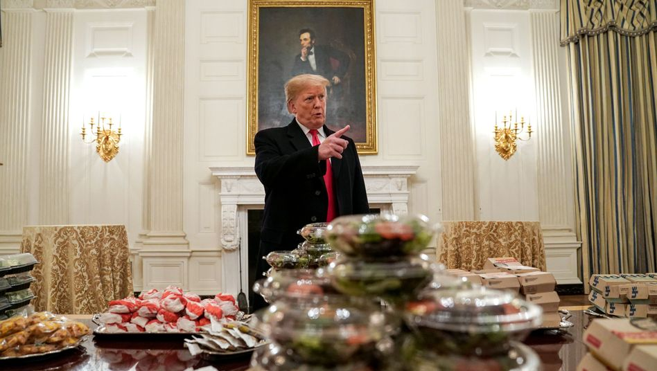 Trump mit Fast Food, eine tolle Story. Nicht.