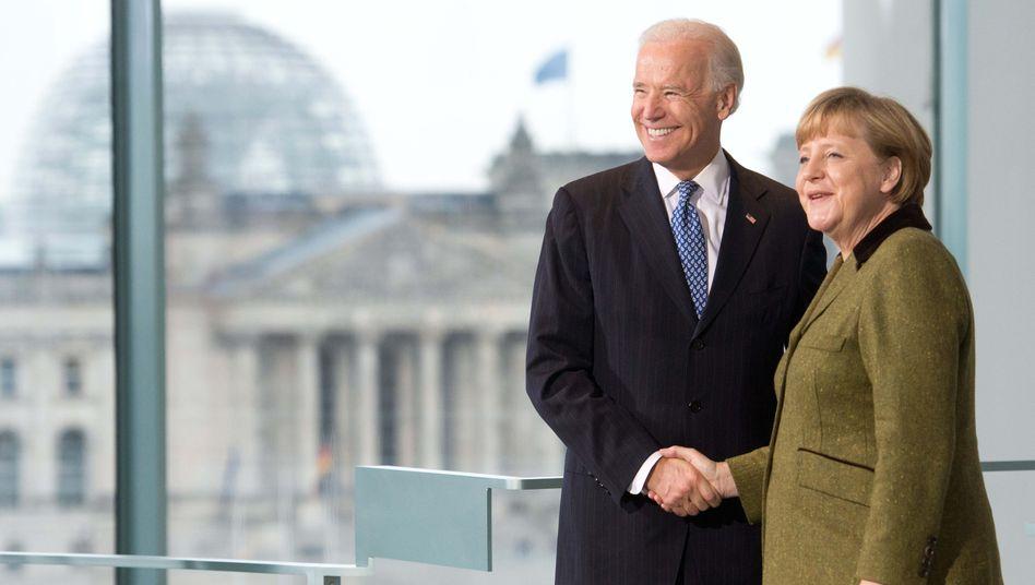 Angela Merkel mit dem damaligen US-Vizepräsidenten Joe Biden 2013 in Berlin