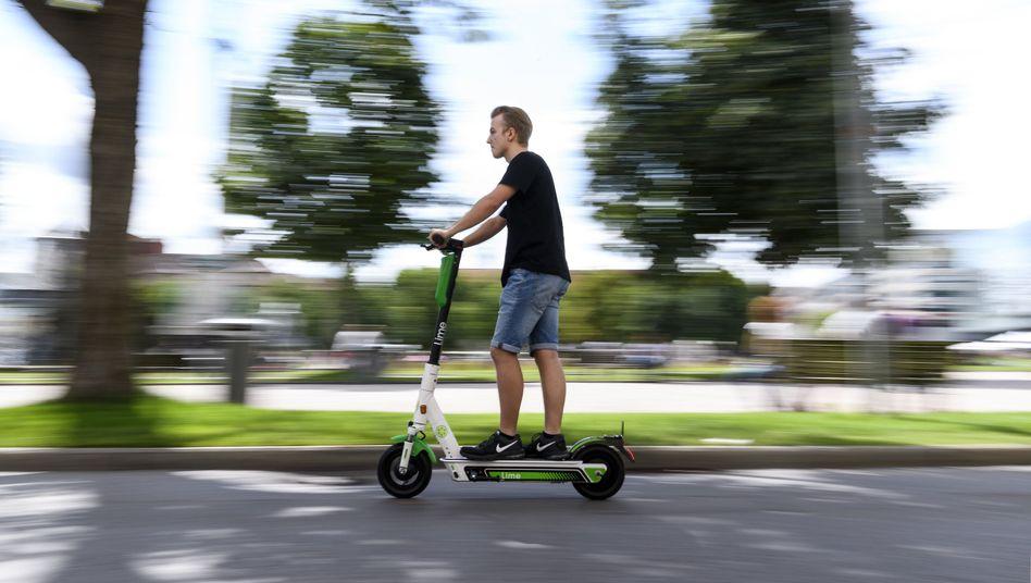 E-Roller-Fahrer