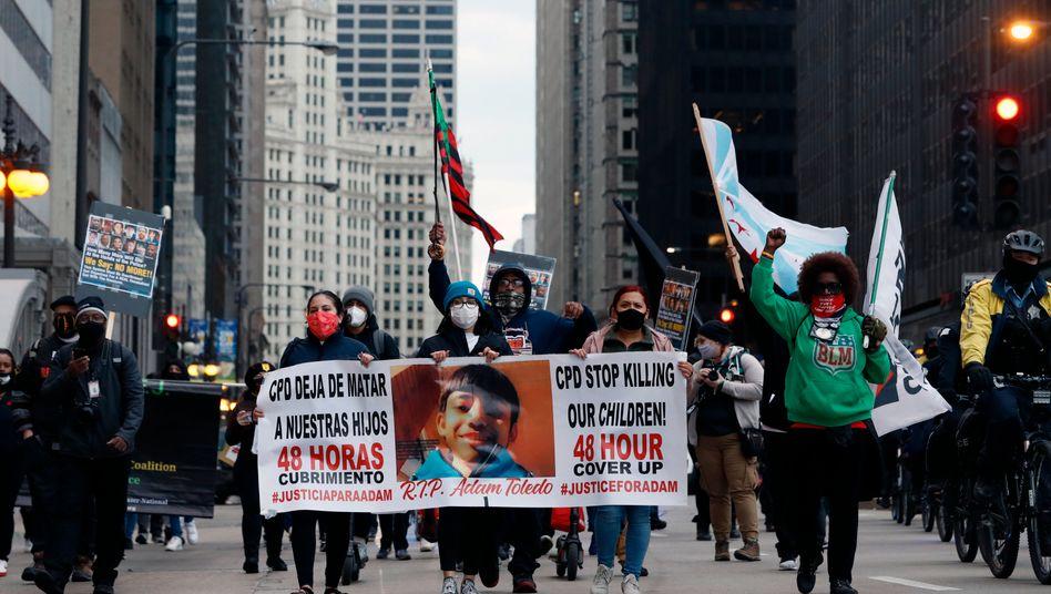 Demonstration nach dem Tod des 13-jährigen Adam Toledo