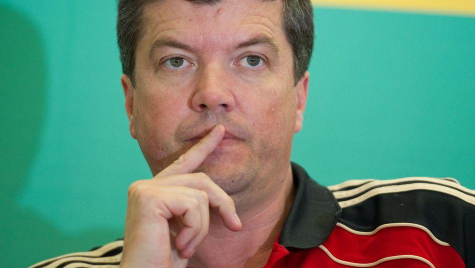 Schiedsrichter-Chef Fandel: Zeitlupen verbieten, um die Schiedsrichter zu schützen