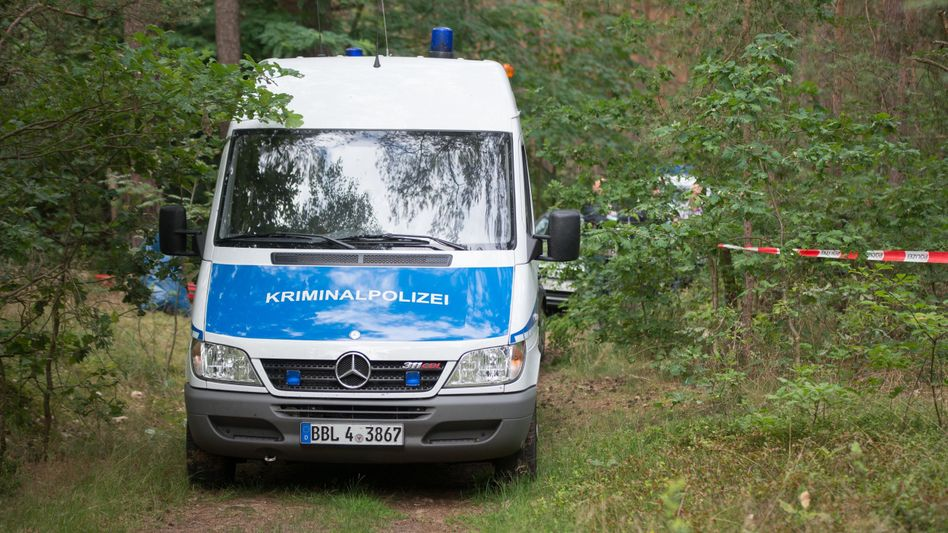 Wald in Oranienburg: Polizeieinsatz nach Leichenfund in Bunkeranlage