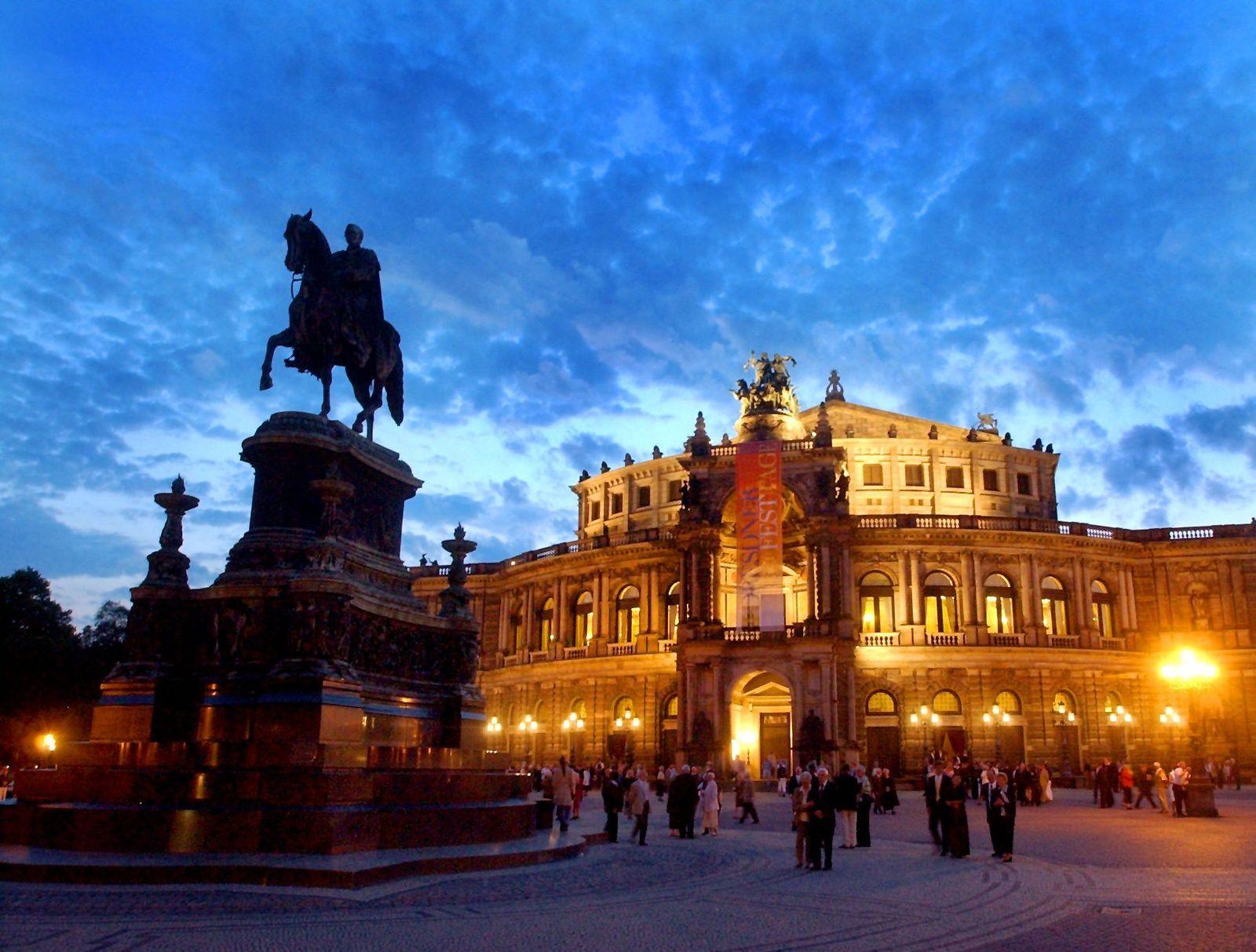 Nächtliche Semperoper Dresden