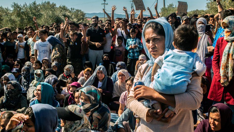 Flüchtlingsproteste auf Lesbos: Es fehlt an Wasser, Ärzten, Versorgung