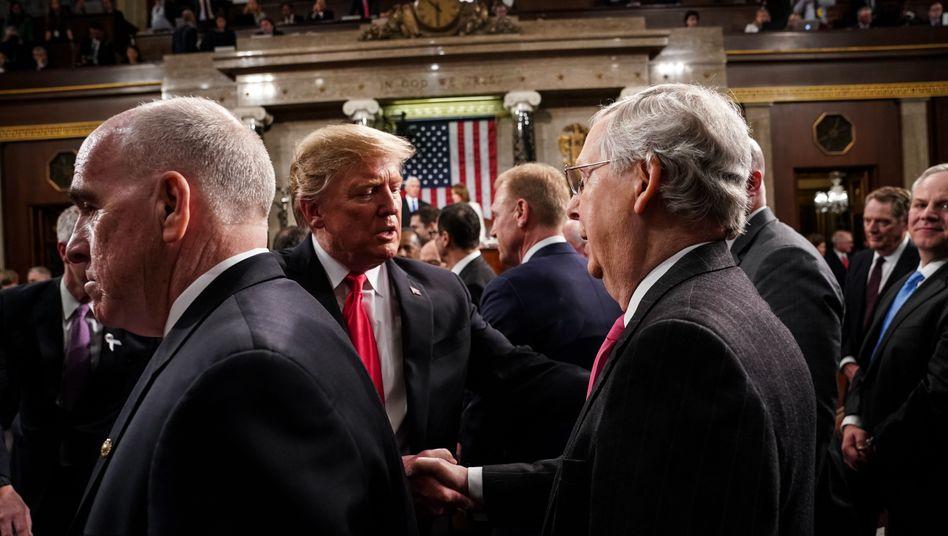 Donald Trump und Mitch McConnell: Voneinander profitieren statt gegeneinander argumentieren