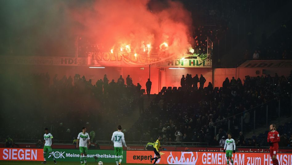Wolfsburger Fanblock in Hannover