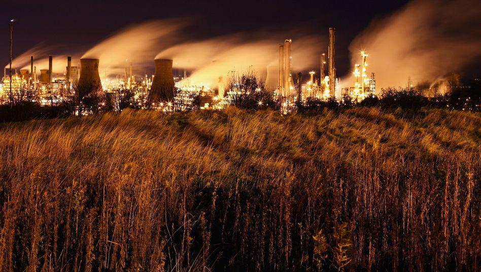 Ölraffinerie (im schottischen Longannet, November 2009): CO2-Emissionen steigen weltweit