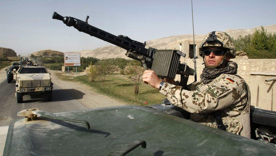 Bundeswehrpatrouille in Talokan: Rund 40 Soldaten sind in der Stadt stationiert