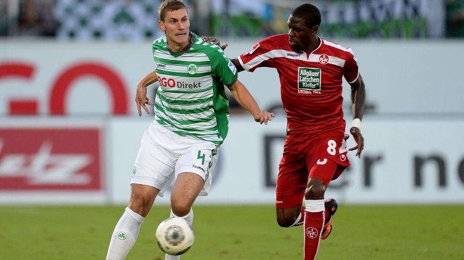 Fürths Kraus (l.), Kaiserslauterns Idrissou: Alle Daten zur zweiten Liga