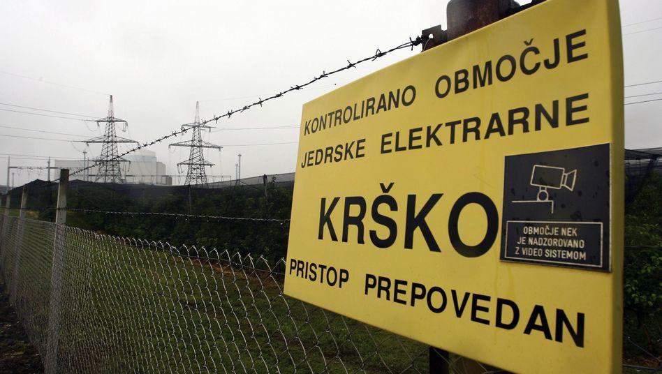 Sicherheitszaun in Krsko: Verwirrende Nachrichten von jenseits des Zauns