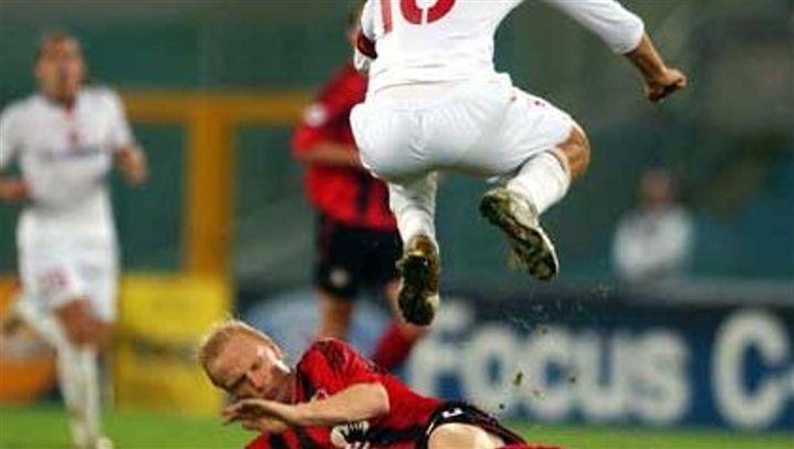 Champions League: Totti tritt, Adriano boxt, van Nistelrooy trifft