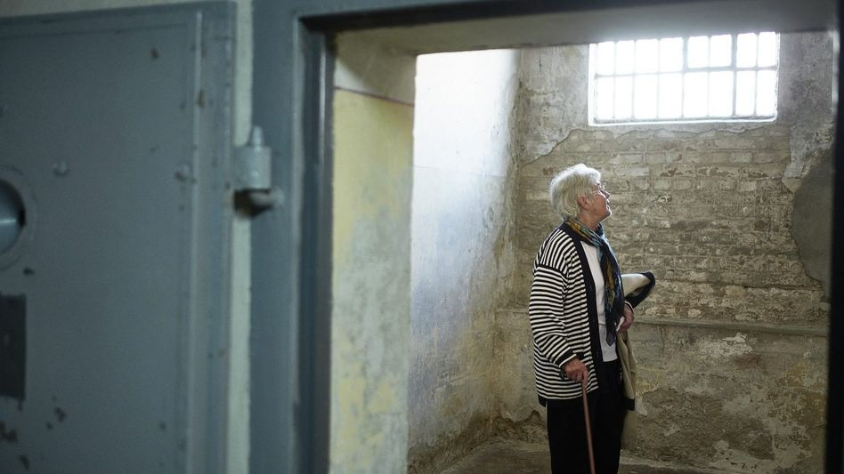 Frühere Spionin Raue im einstigen Stasigefängnis Berlin-Hohenschönhausen: »Jetzt kann ich sprechen, alle anderen sind tot«
