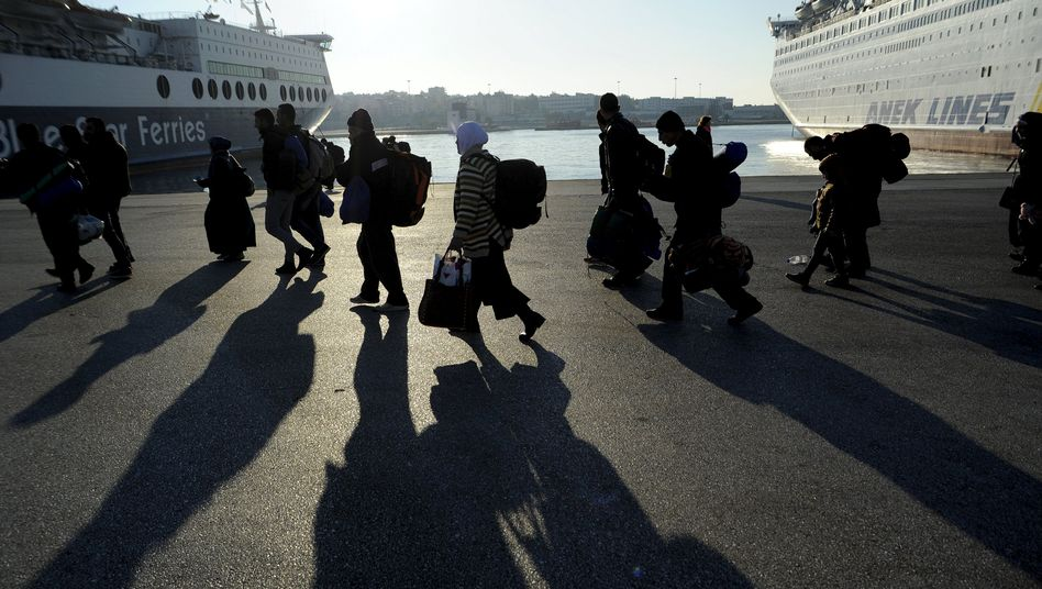 Flüchtlinge im Hafen von Piräus (26. Dezember): 800.000 kamen über die Ägäis