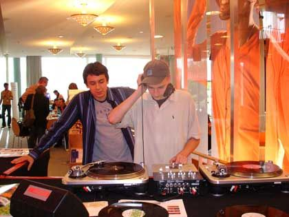 Nachwuchs-Musiker Jan (rechts) und Tim: Traumberuf DJ