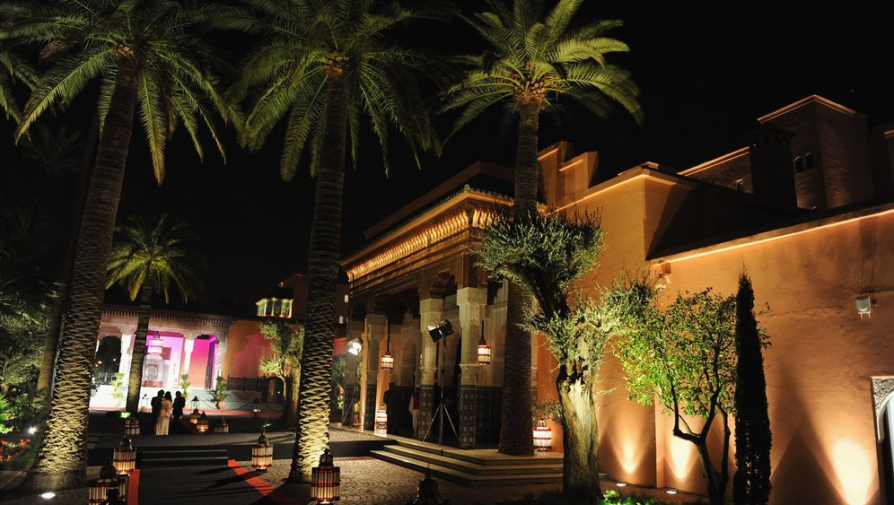 Hotel Mamounia: Eröffnungsfeier mit Fackeltanz