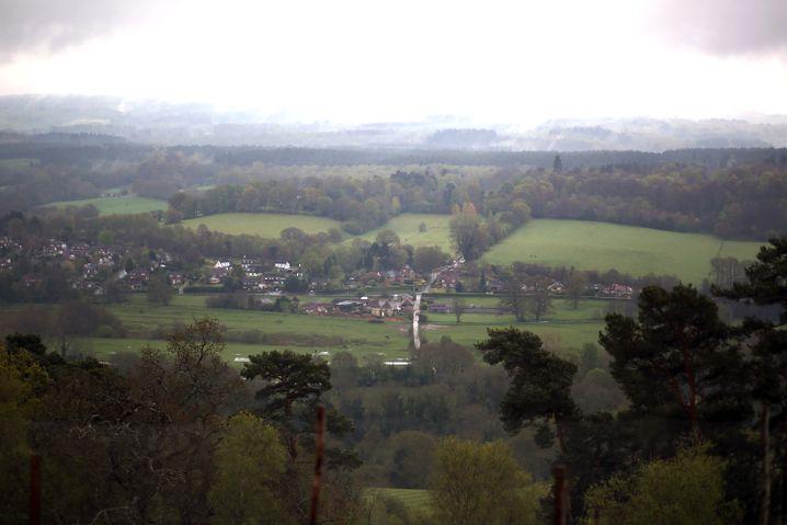 Der St Martha's Hill in Chilworth, England: Der Kreis, der eigentlich ein Henge ist