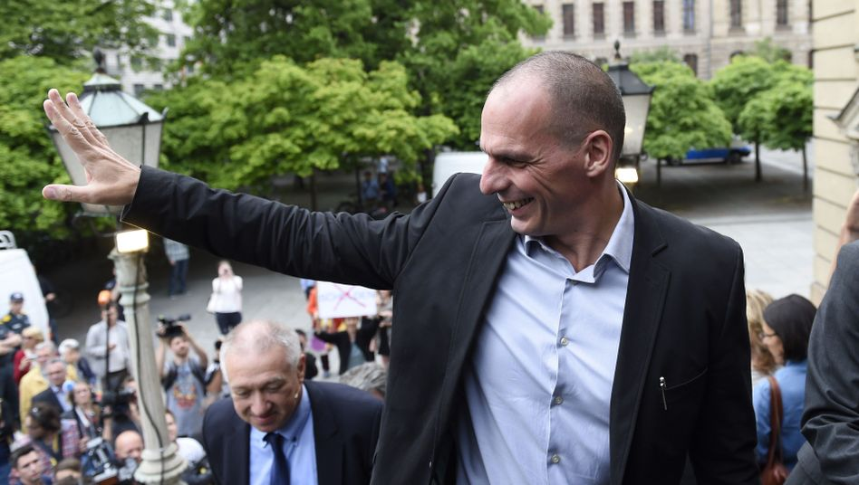 Varoufakis am Französischen Dom: Sehr freundlicher Empfang
