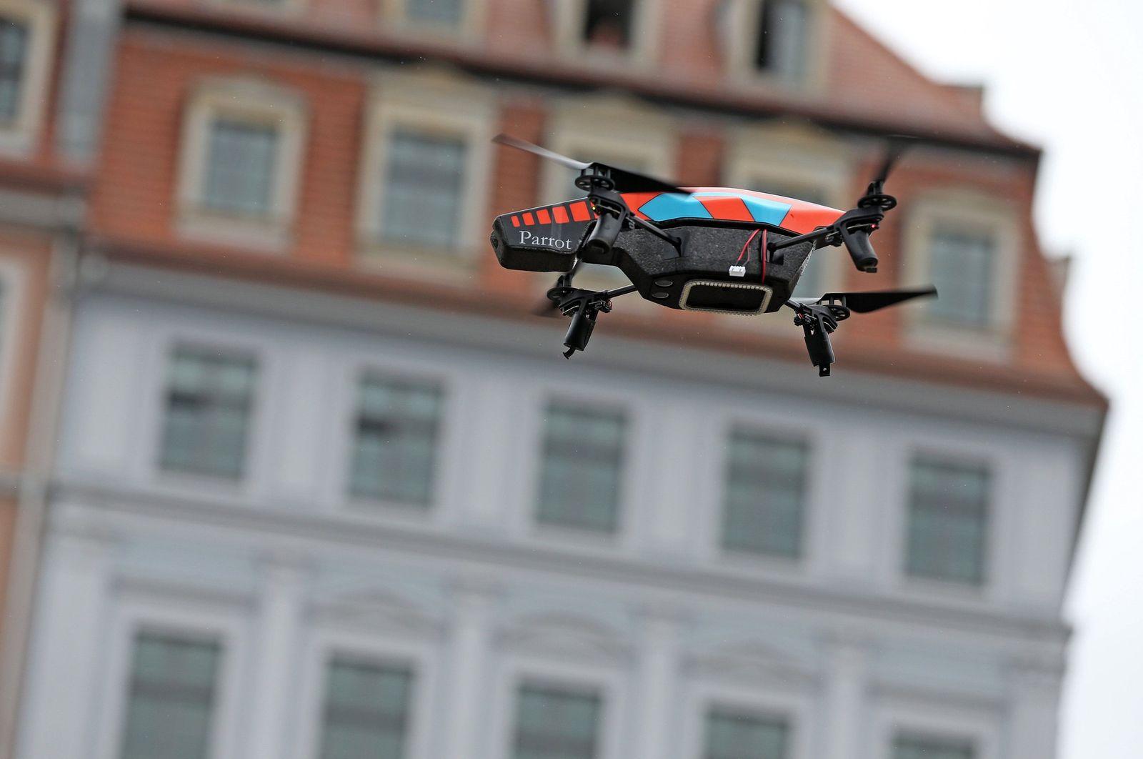 Drohne/ Pirate Campaign