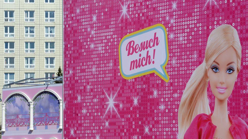 "Linke Proteste gegen Puppenvilla: ""Occupy Barbie-Dreamhouse"""