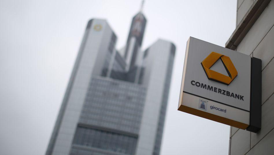 Commerzbank-Zentrale in Frankfurt am Main: Zu Millionen-Boni verurteilt